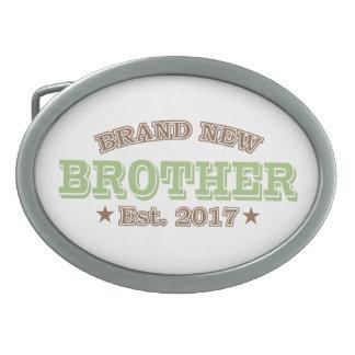 真新しい兄弟米国東部標準時刻。 2017年(緑) 卵形バックル