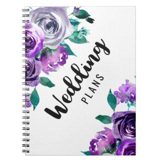 真新しい及び紫色の花の水彩画のウェディングプランナー ノートブック