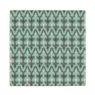 真新しい灰色の幾何学的なイカットの種族の装飾的なパターン ウッドコースター