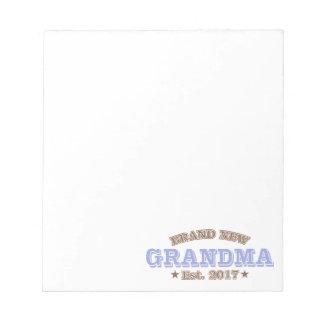 真新しい祖母米国東部標準時刻。 2017年(紫色) ノートパッド