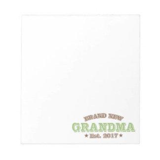 真新しい祖母米国東部標準時刻。 2017年(緑) ノートパッド