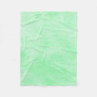 真新しい緑のろうけつ染めの美しい曇り空 フリースブランケット