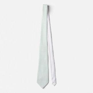 真新しい緑のギンガムパターンは男性へを結びます ネクタイ
