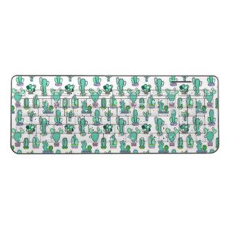 真新しい緑のサボテン及び水気が多い植物パターン ワイヤレスキーボード