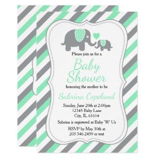真新しい緑及び灰色のストライプ象 のベビーシャワー カード