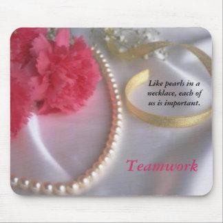 真珠およびカーネーション-チームワークのmousepad マウスパッド