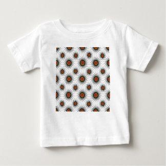 真珠のようなパターン明暗中間部の背景 ベビーTシャツ