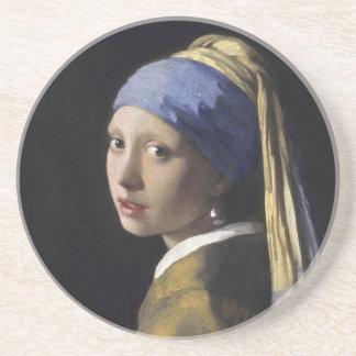 真珠のイヤリングのコースターを持つ女の子 コースター