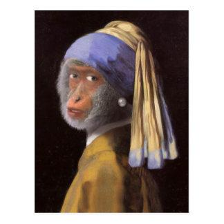 真珠のイヤリングを持つチンパンジー ポストカード