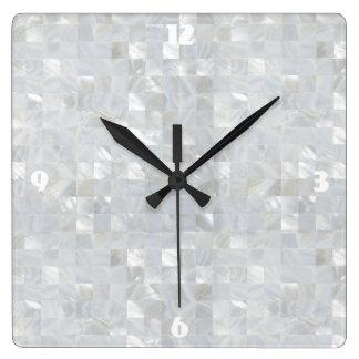 真珠色のプリントの白 スクエア壁時計