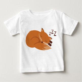 眠いキツネ ベビーTシャツ