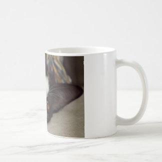 眠いタキシード猫 コーヒーマグカップ