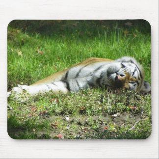 眠いトラ マウスパッド