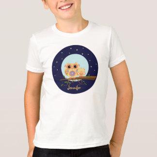 眠いベビーの名前をカスタムするを用いるかわいいフクロウのお母さん Tシャツ