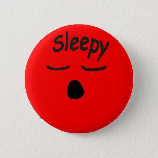 眠いボタン 5.7CM 丸型バッジ