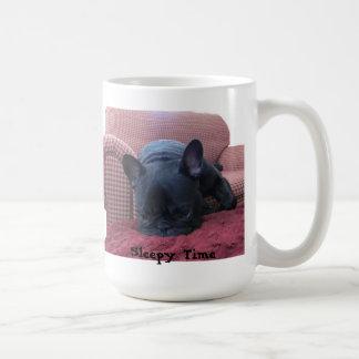 眠い時間のフレンチ・ブルドッグのマグ コーヒーマグカップ