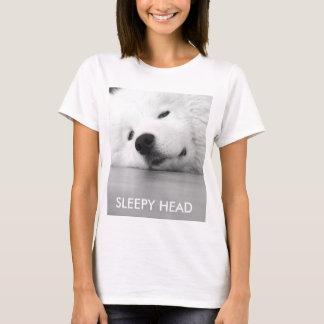 眠い犬のTシャツ、柔らかく白いsamoyed犬 Tシャツ