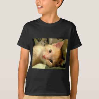 眠い男の子II Tシャツ
