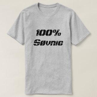 眠い100%年のSøvnig   100% Tシャツ