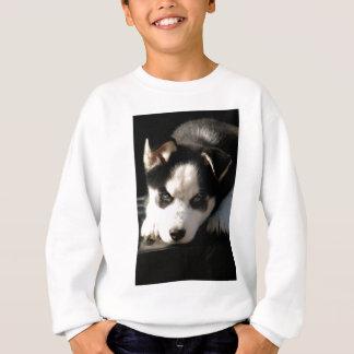 眠いLOPの耳付つきのシベリアンハスキーの子犬 スウェットシャツ