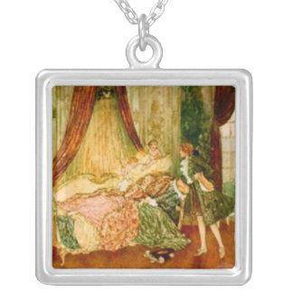 眠れる森の美女のネックレス シルバープレートネックレス