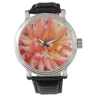眩ますダリアの花 腕時計