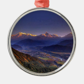 眺めの景色: ヒマラヤ山脈POKHARAネパール メタルオーナメント