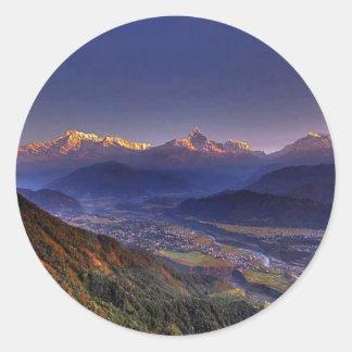 眺めの景色: ヒマラヤ山脈POKHARAネパール ラウンドシール