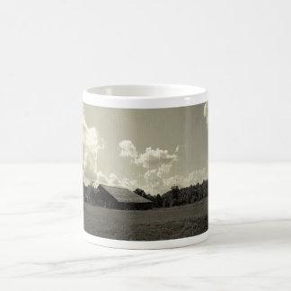 眺望山の景色のループ コーヒーマグカップ