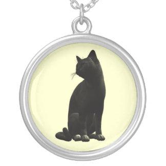 着席の黒猫のネックレス シルバープレートネックレス