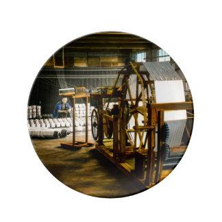 着物のヴィンテージを作る古い日本の絹の製造所 磁器プレート