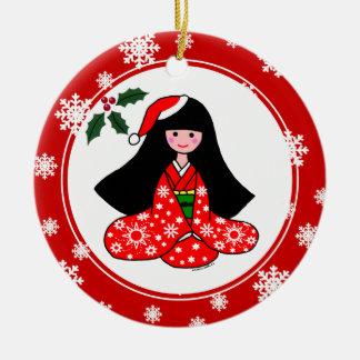 着物の女の子のクリスマスの漫画の雪片 セラミックオーナメント