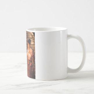 着物を身に着けている日本のな小さな女の子 コーヒーマグカップ