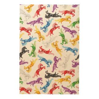 着色されたパターン跳躍の馬 ウッドウォールアート