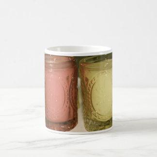 着色された瓶のマグの蝋燭 コーヒーマグカップ