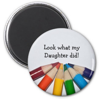 着色された鉛筆のアートワークの表示 マグネット