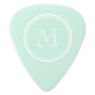 着色される軽く真新しい緑の上限一致 ホワイトデルリン ギターピック