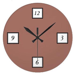 着色される青銅色のクラシック ラージ壁時計