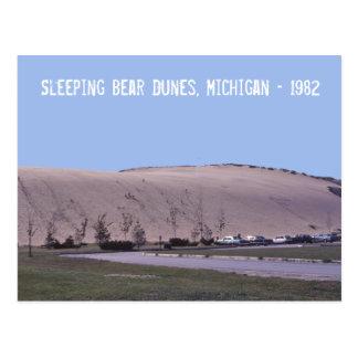 睡眠くま砂丘ミシガン州の砂丘の郵便はがき ポストカード