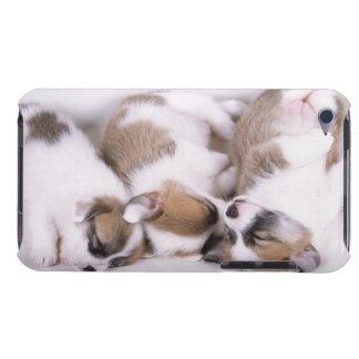 睡眠のウェルシュコーギーの子犬 Case-Mate iPod TOUCH ケース