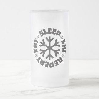 睡眠のスキー繰り返しによって曇らされるマグを食べて下さい フロストグラスビールジョッキ