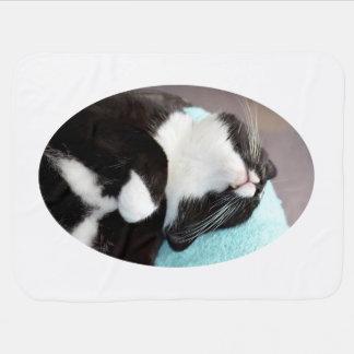 睡眠のタキシード猫の顎の眺めの子猫のイメージ ベビー ブランケット