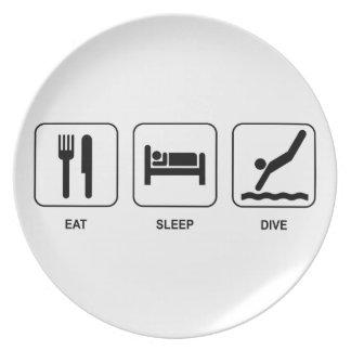 睡眠の飛び込みを食べて下さい プレート