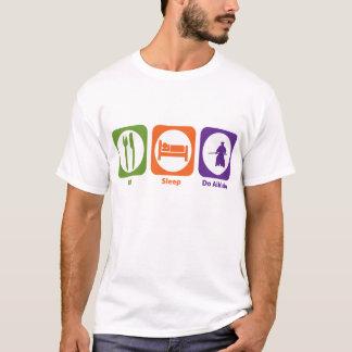 睡眠をします合気道を食べて下さい Tシャツ