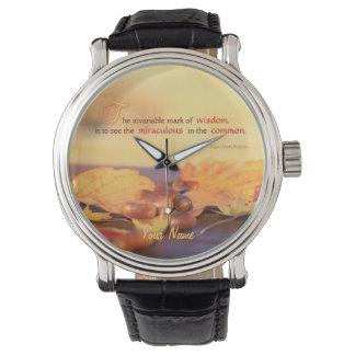 知恵の奇跡的な共通のドングリの紅葉の秋 腕時計