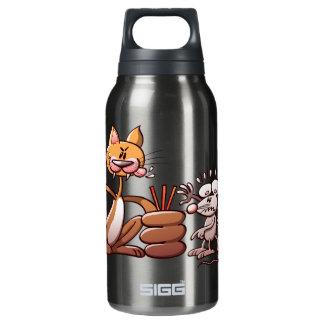 短いわらを引くことによってマウスを選んでいる猫 断熱ウォーターボトル