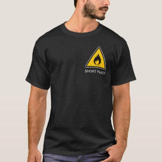 短いヒューズ Tシャツ