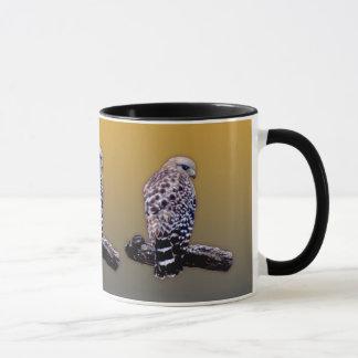 短い尾タカ マグカップ