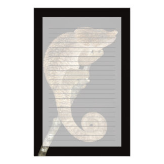 短い角状のカメレオン(Calummaのbrevicornis) 便箋