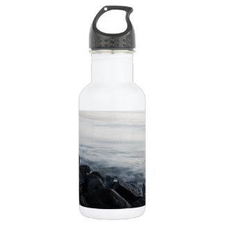石および波 ウォーターボトル